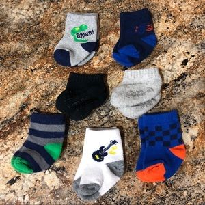 Dinosaur Racing Guitar Infant Socks (Lot of 7)